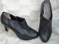 Diana Ferrari Solid Zip Boots for Women