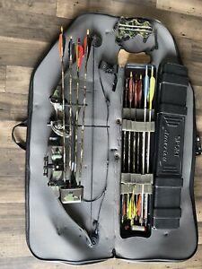 Hoyt USA Eclipse Compound Bow, 14 Arrows, Bow Case  And Arrow Case