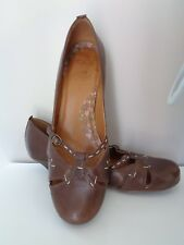 Clarks Ladies 'Emmaline' brown leather smart stitch detail shoes size 6.5