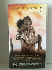 RABBIT PROOF FENCE ~ DAVID GULPILIL, KENNETH BRANAGH ~ RARE PAL VHS VIDEO