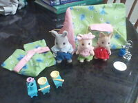 Sylvanian Family Camping Set Calico Critters, Let's Go Camping Tent 3 critters