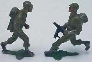 Lot of 2 Small Size 2' Metal Soldier Lead Toy Figurines Cike?