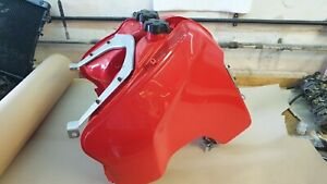 Suzuki DR750 DR800 left and right fuel tanks with brackets and caps dr 750 800 s