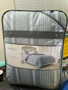 Threshold Classic stripe Comforter Set Blue & White Stripes King Size New!