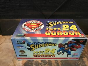 Revell Collection Jeff Gordon #24 1999 Superman DuPont NASCAR1:18 Scale NIB🏁