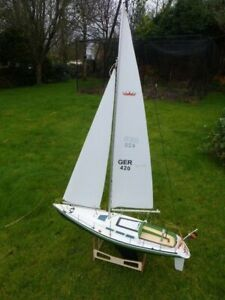 ROBBE COMPTESSE 1072. 1M RC Yacht, Bind and Sail Spektrum