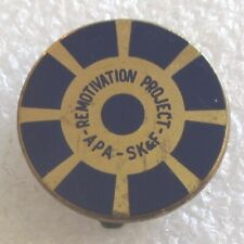 Vintage American Psychiatric Assn-Remotivation Project Smith, Kline & French Pin