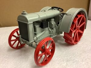 1/16 scale Danbury Mint 1927 Fordson F tractor Traktor tracteur limited edition