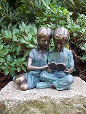 lesende Kinder, Bronzefigur