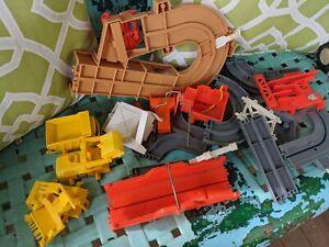 Vintage Tomy Big Loader Construction Set LOT Vehicles Tracks Parts Toy 70s
