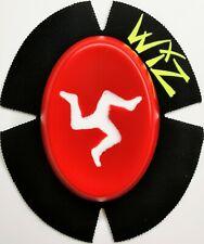 WIZ ISLE OF MAN WHITE RED  FLAG KNEE SLIDERS TT RACES CLASSIC TT