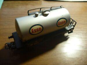 MARKLIN H0 - 4501 - ESSO TANK CAR - VERSION 3 - 1958-61
