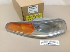1997-2004 Chevrolet Corvette RH Front PARK / TURN/ MARKER SIGNAL LAMP new OEM