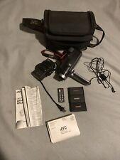 JVC GR-AXM310 VHS-C Analog Camcorder Bunde WORKS!!!!
