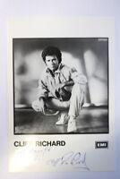 Cliff Richard Autogrammkarte Autograph