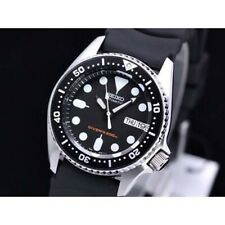 Seiko Black SKX 200M Diver's Junior Size Rubber Strap Watch SKX013K1
