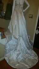 NWOT*SANTA MONICA*  WEDDING BALL GOWN FORMAL EVENT IVORY EMBROIDERY Sz10 Rt $900