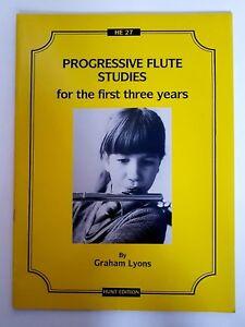 Graham Lyons: Progressive Flute Studies (Music Book)