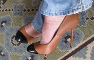 """5"""" ROUND TOED LEATHER PUMPS - SIZE 10"""