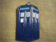 A POLICE BOX  DOCTOR WHO TARDIS, 50mm PIN BADGE
