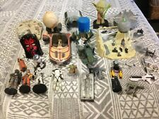 STAR WARS COLLECTIBLES  LOT OF 37 FIGURINES, MINATURES, WEAPONS, STARSHIPS  MORE