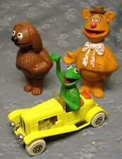 Vintage FISHER PRICE MUPPETS STICK PUPPET ROWLF & FOZZIE + KERMIT in CORGI CAR
