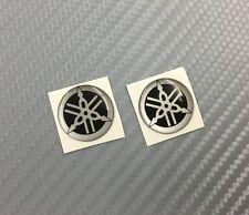 2 Adesivi Diapason SILVER & BLACK 3D resinato 25 mm Tmax Xmax R1 R6 MT Racing