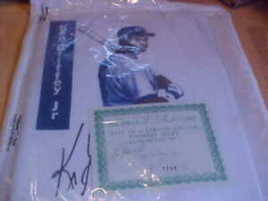 90's VINTAGE Ken Griffey Jr. T-Shirt Seattle Mariners Limited Edition Autograph