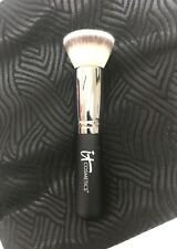 NEW IT COSMETICS HEAVENLY LUXE FLAT TOP BUFFING FOUNDATION #6 BRUSH