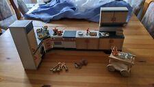 Bodo Hennig, Puppenhaus, Küche Country