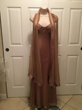 Carmen Marc Valvo Collection Ladies Brown/Gold Long Dress With Shawl