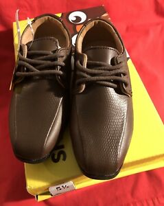 SmartFit Dress Shoes Brown Size 5 1/2 Toddlers  - New With Box