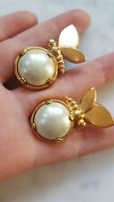 LANVIN GERMANY VTG BUTTERFLY ON GOLD PLATED PALE GREY PEARL CLIP EARRINGS SIGNED