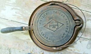 ANTIQUE 1930'S TAYLOR FORBES  LTD CAST IRON WAFFLE IRON & BASE GUELPH CANADA