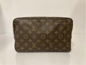 Louis Vuitton Monogram Trousse Toilette 28 Cosmetic Travel Bag