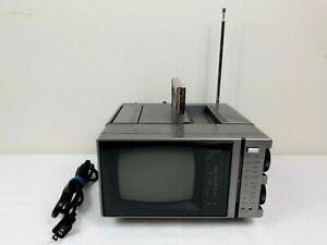 "Vintage General Electric 5"" Portable TV AM/FM Radio  1985 GE Model No: 5XP-5222X"