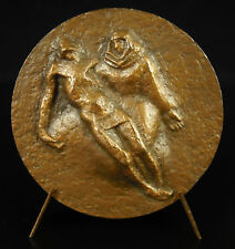 Médaille Pietà Vierge de Pitié Vierge Marie pleurant son enfant art chrétien