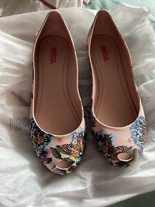 Melissa Shoes Size 4
