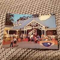 Dreamworld, Coomera, Queensland - Plaza Restaurant  - Vintage Postcard