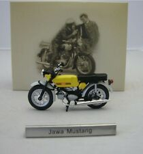 Model Motorcycle 1/24 Czech moped Jawa Mustang yellow. CZ Motorbike. Atlas