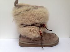 UGG Ladies Yetti boots in light beige UK 6 1/2 - worn a handful of times