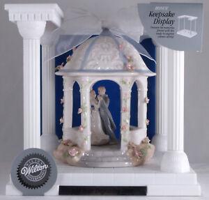 Wilton Porcelain Gazebo Wedding Cake Topper Bride & Groom w/ Display Case - NEW