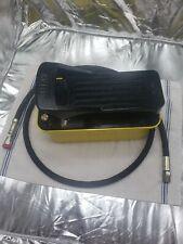 Air Hydraulic Pump Hydraulic Pressure Foot Pump Yellow