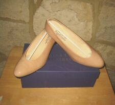 NEW RUSSELL BROMLEY SIZE 6.5 PATENT LEATHER BEIGE NUDE BUSINESS COURT SHOES