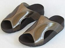 6 | FitFlop Wobbleboard Women Bronze Metallic Brown Slip On Slides Sandal Shoe