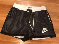 NEW WOMEN'S NIKE SPORTS CASUAL MESH SHORTS SIZE SMALL NWT 848525 010 $55.00