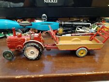 DINKY TOYS 301 TRACTOR FIELD MARSHALL + 320 HALESOWEN FARM TRAILER VINTAGE