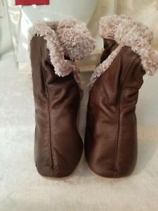 Robeez Classic Brown Bootie size 3-4 years (10.5-11.5)