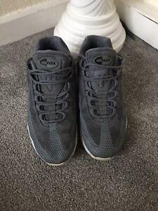Mens Nike Air Max AJ3068-002 UK7