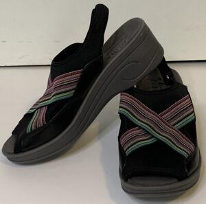 SoLite by Easy Street Sandels Women's 11 W Rainbow Stripe Stretch Comfort